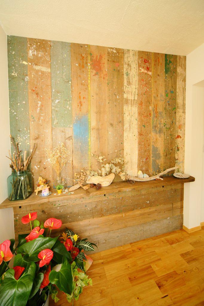 アートセラピーで心と身体を癒す 木のぬくもりに包まれて自分自身に還る場所
